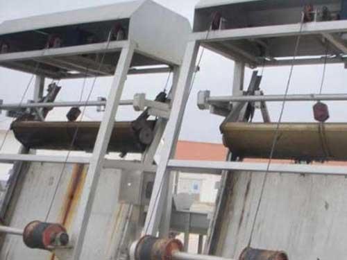 钢丝绳牵引式清污机